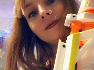 Fucking-Dorie: ICH BIN WIEDER DA!!!